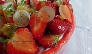 Charlotte aux fraises, rhubarbe au thym et miel de lavande.