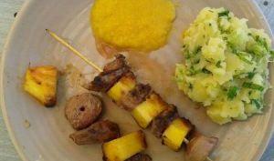 Brochettes de canard à l'ananas et sauce aux agrumes