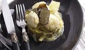 Noix de St-Jacques aux truffes d'été poireaux et courgettes