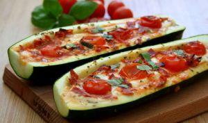 Courgettes farcies façon pizza, mozzarella, tomate et chorizo