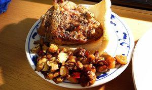 Cuisses de poulet à la plancha, farcies aux herbes et aux noix (Georgie, Lithuanie)