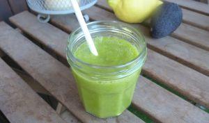 Green smoothie cresson, ananas et avocat