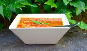 Bouillon de tomates au basilic