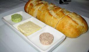 Beurre en persillade pour pains et grillades au barbecue