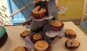 Cupcakes caramel au beurre salé pour l'anniversaire Planes