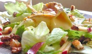 Salade Normande Pommes Camembert au Caramel Poivré   Douceurs Maison