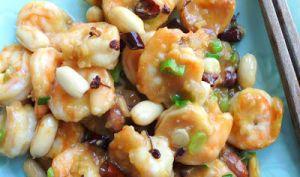 Crevettes Gong bao au poivre de Sichuan et cacahuètes