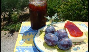 Confiture de prunes noires