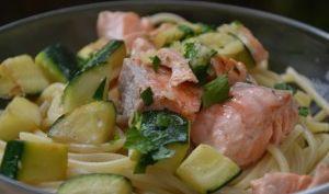 Spaghetti sauce courgettes saumon