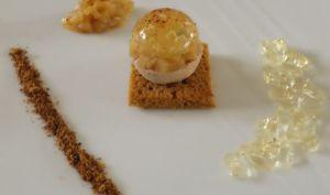 Boule de foie gras, gelée de Sauternes et brunoise de poires