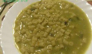 Soupe de ditalini aux pois cassés et fenouil sauvage ou macco de pois cassés