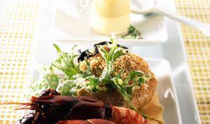 Viennoise de ris de veau aux noix  royale de foie gras et queues d'écrevisses