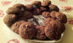 Cookies tout cacao aux fruits confits
