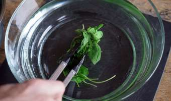 Jus vert épinards roquette et basilic - Etape 2