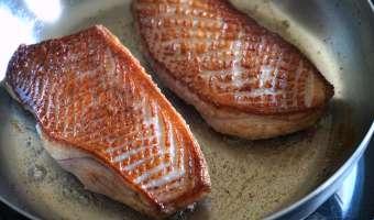 Magret de canard sauté au vinaigre de framboise - Etape 4