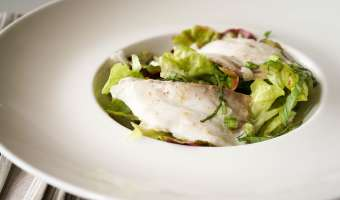 Salade de bar tiède à l'huile de noisette - Etape 11