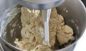 Croissants et pains au chocolat - La détrempe - Etape 4