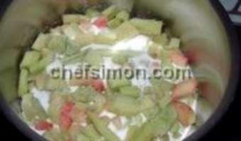 Charlotte bavaroise à la rhubarbe sur fond de biscuit spéculoos - Etape 1