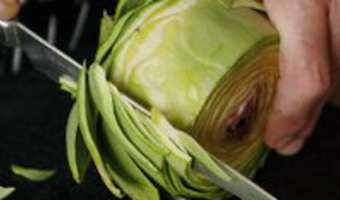Cuire et parer un fond d'artichaut - Etape 1