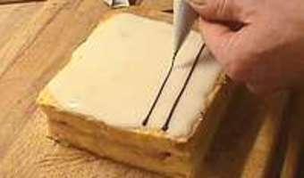 Glacer et marbrer un millefeuille - Etape 7