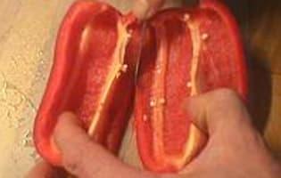 Peler un poivron au couteau - Etape 5