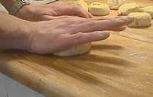 Façonner la pâte à pain - Etape 19