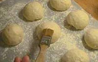 Façonner la pâte à pain - Etape 24