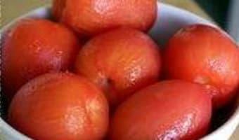 Epépiner et concasser une tomate - Etape 1