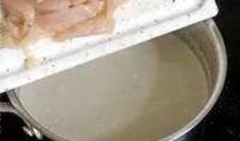 Soupe de poulet au lait de coco - Etape 6