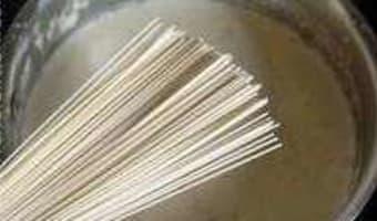Soupe de poulet au lait de coco - Etape 7