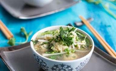 Soupe de boulettes de poulet façon pho vietnamien