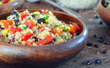 Salade de Quinoa et Haricots Noirs avec Vinaigrette au Cumin et à la Lime