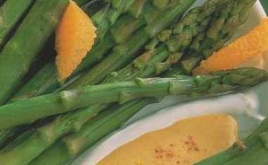 Asperges vertes en mousseline d'orange au paprika