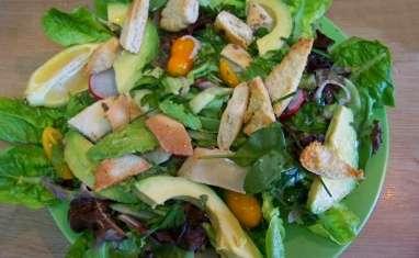 Fattouche ou salade libanaise à la pita grillée
