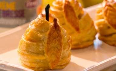 Douillons bressans aux poires farcis à la crème de Bresse