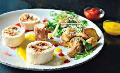 Poulet vapeur roulé en ballottine farci au chorizo, légumes et feta
