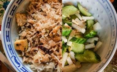 Un riz sauté et une salade
