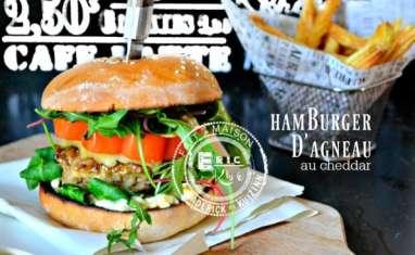 Hamburger agneau au cheddar sauce tartare