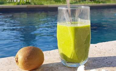 Green smoothie épinard kiwi