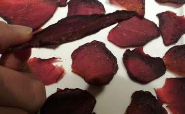 Chips de betteraves au four
