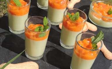 Panna cotta pistache et sa compotée d'abricot