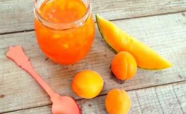 Confiture d'été melon abricots basilic