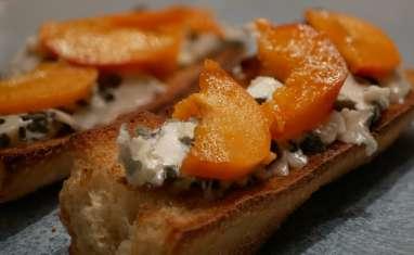 Tartines roquefort abricot