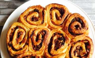 Cinnamon rolls aux pommes caramélisées