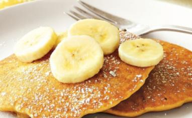 Pancake à la banane sans oeufs enrichi en protéines