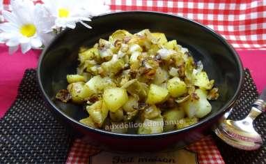 Pommes de terre et endives sautées au beurre maison à l'ail et au persil