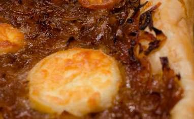 Tarte plate à l'oignon confit au cassis