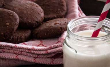 Cookies au chocolat, noix de cajou et flocons de millet
