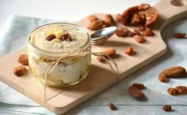 Crèmes de riz onctueuses aux pommes et fruits secs