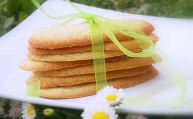 Langues de chat, thé matcha et citron vert